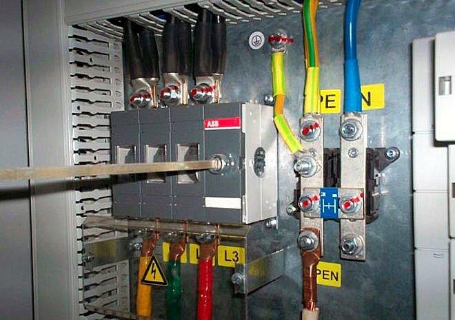 Пример современного монтажа защитных проводников